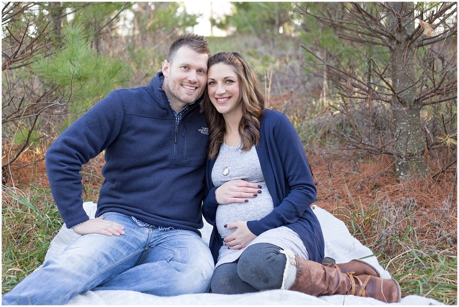 virginia-christmas-tree-farm-maternity-photographer_0021