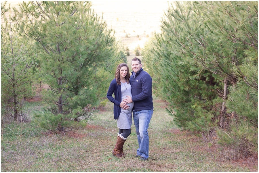 virginia-christmas-tree-farm-maternity-photographer_0028