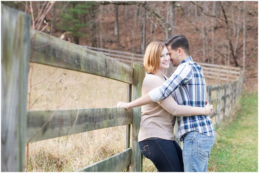 rustic-outdoor-virginia-anniversary-photography-session
