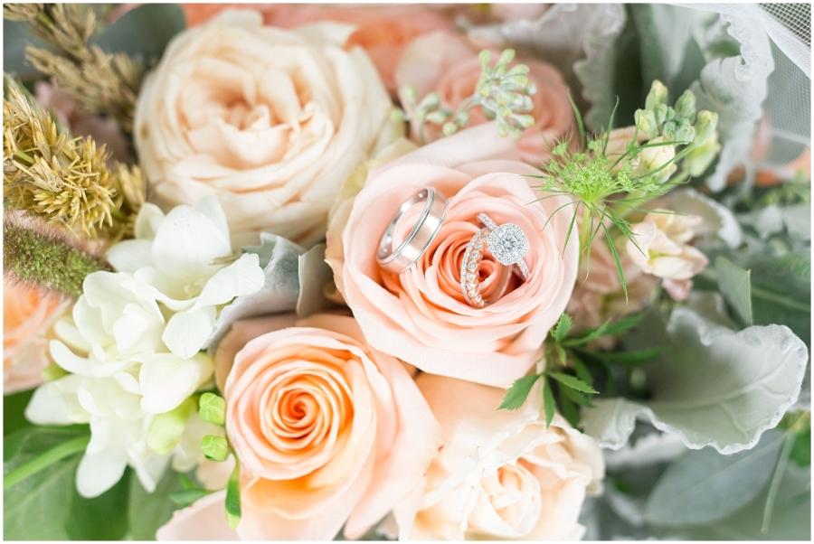 mint-peach-wedding-bouquet