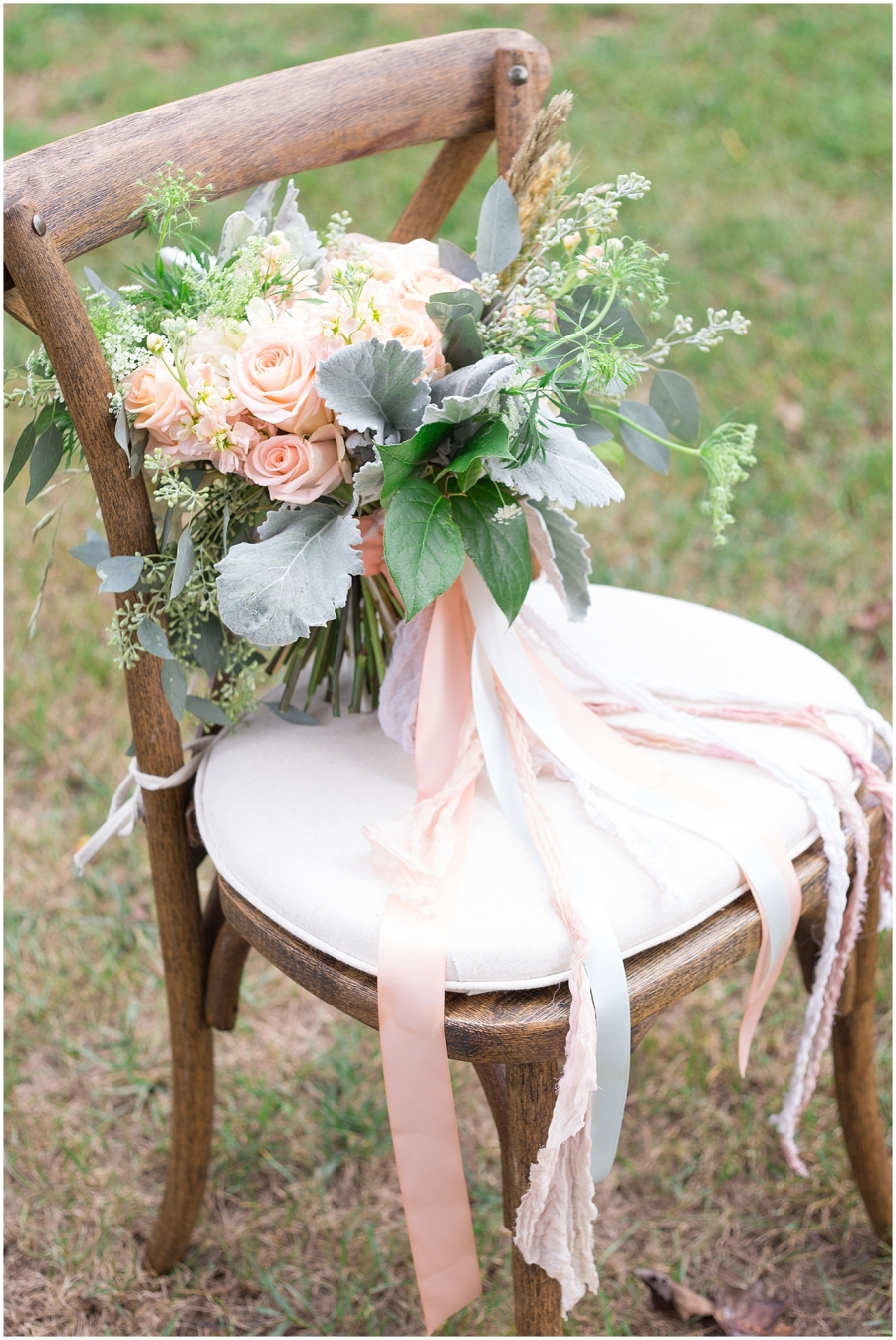 mint-and-peach-wedding-bouquet