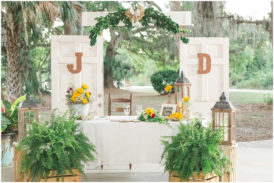 rustic-sunflower-wedding-reception