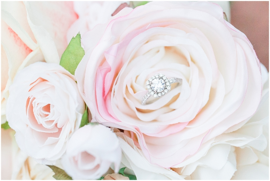 bridal-session-engagement-ring