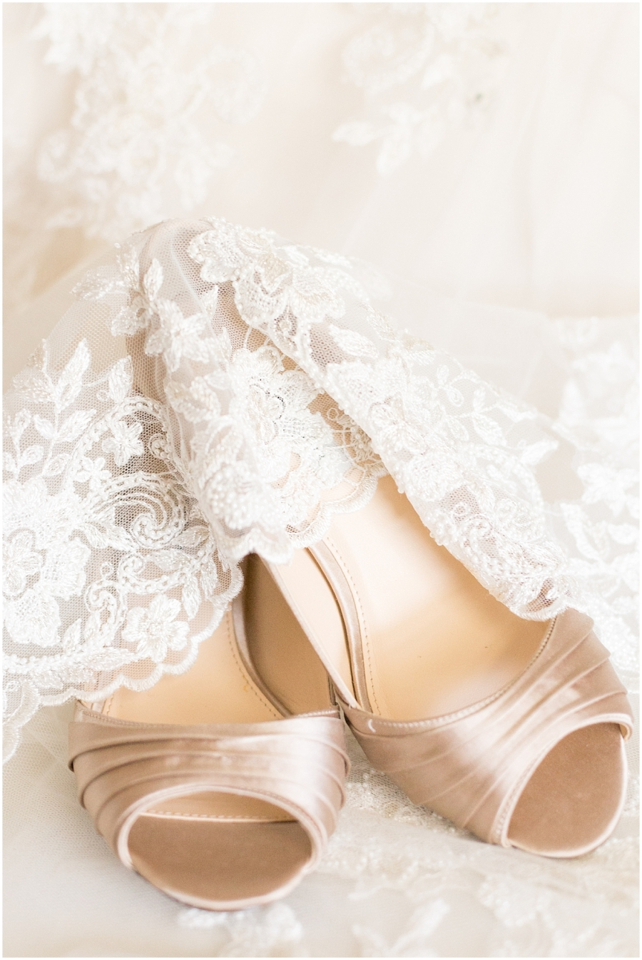 ivory-champagne-wedding-details