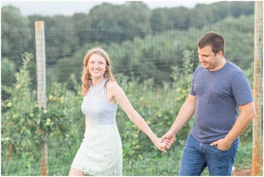 carter-mountain-orchard-engagement-photo-session_0028